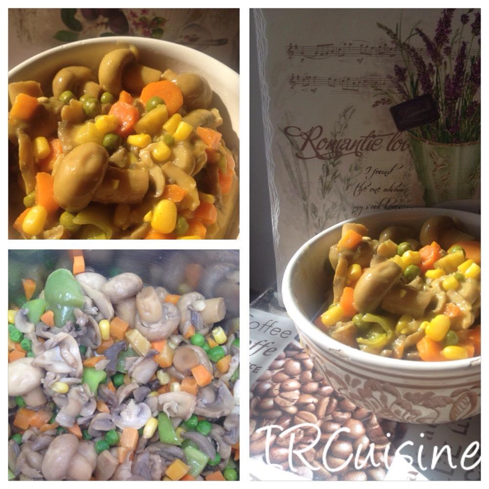 Kókusztejes kurkumás tészta zöldségekkel (tejmentes, vegán)