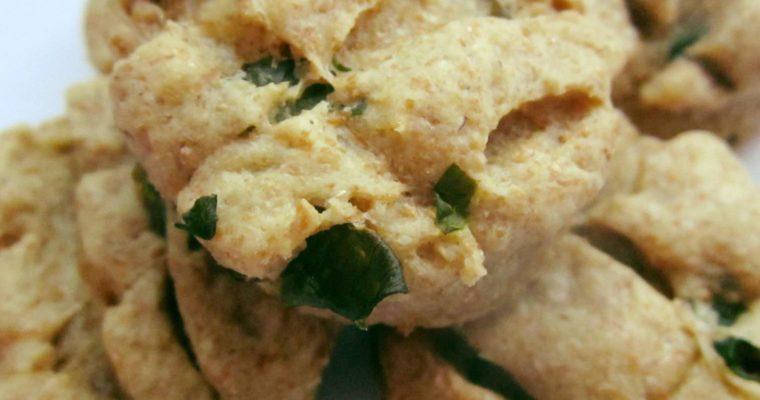Medvehagymás teljes kiőrlésű pogácsa (tejmentes, vegán recept)